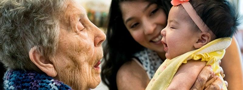 aburla-nina-madre-sonrisa-2-humana-medicina-prepagada