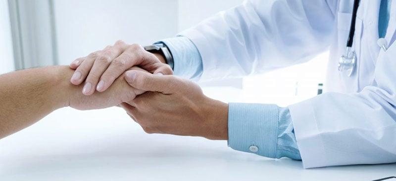 docto-medico-paciente-seguro-salud-plan-medico-medicina-prepagada-elegir-tips-consejos-razones-blog-humana
